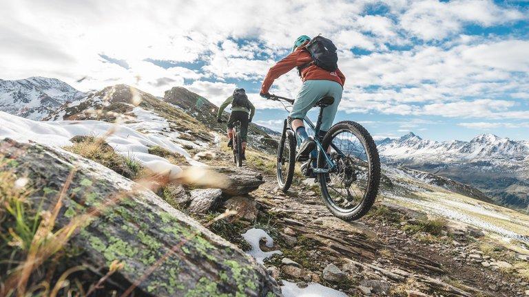E-bike a horské túry ve Švýcarsku