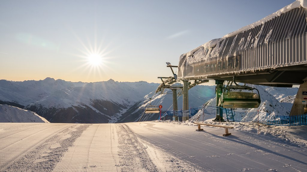Snow sports enthusiasts can enjoy sunrise on the ski slopes with an early bird excursion in the Parsenn ski area of Davos Klosters, Switzerland.